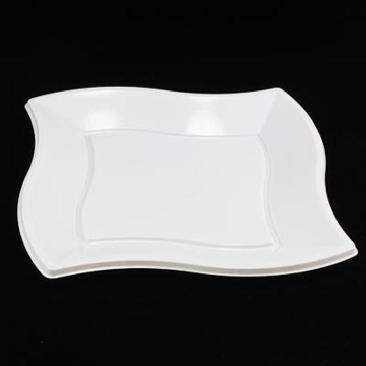Great looking disposable plastic plates at unbeatable prices & Cheap 9\